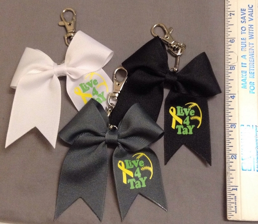 Play 4 Tay Mini-Bow keychains